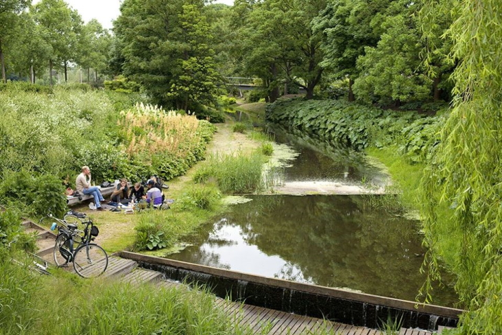 Общественное пространство Амстердам