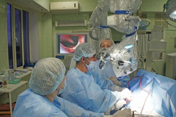 Пермские медики освоили операции намозге через «замочную скважину»