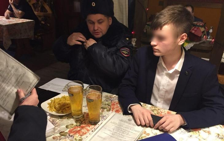 В «Хуторке» наСибирской продали спирт подростку